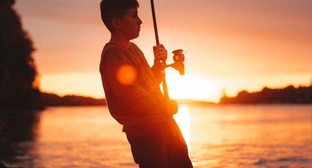 Pojke med fiskespö